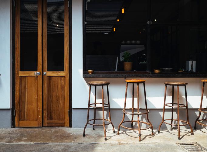 Kedai ButFirst Coffee tampak depan.