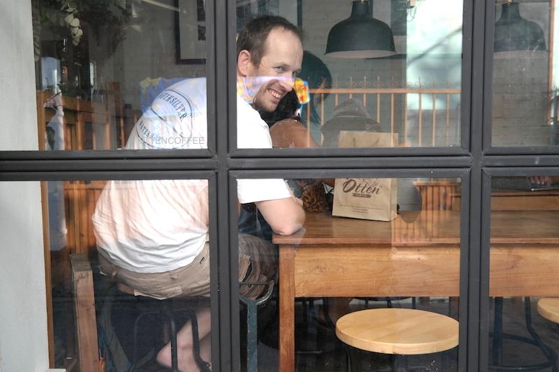 Adam, seorang teman yang memberi tahu keberadaan kedai kopi mini ini