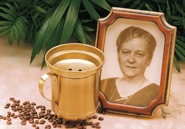 Melitta tak hanya menciptakan penyaring kopi, tetapi banyak alat kopi lainnya.