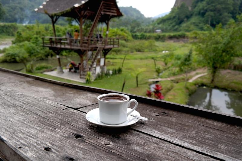 Secangkir Taruko Coffee, semacam kopi tubruk yang nikmatnya bukan main.