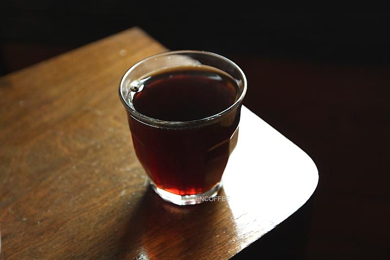 Secangkir kopi Solok Surian. Sedap benar!