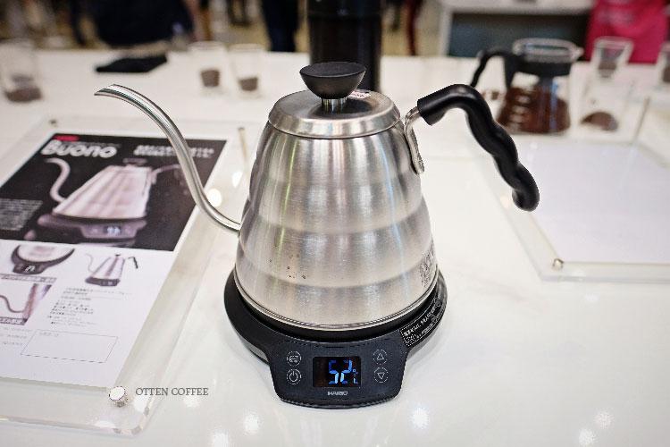 New Hario Kettle yang temperaturnya bisa diset, mirip seperti Bonavita electric kettle.