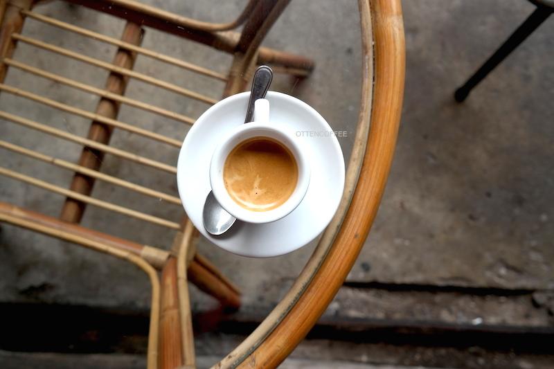 Ini nih yang bikin semangat mengawali hari: double espresso!