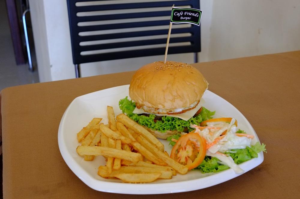 Super beef burger yang enaknya kebangetan!