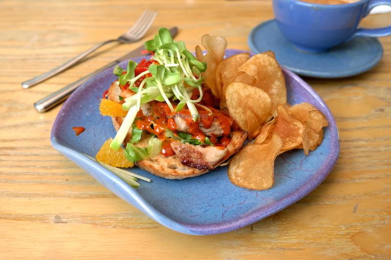 Spicy Chicken yang nikmatnya melesatkan kebahagiaan!