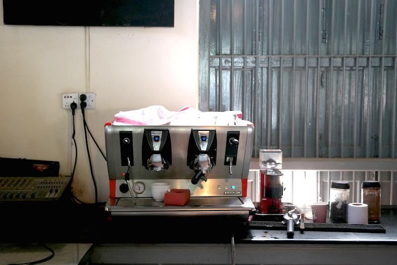 Finally ada mesin kopinya!
