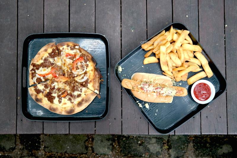 Pizza & beef hotdog!