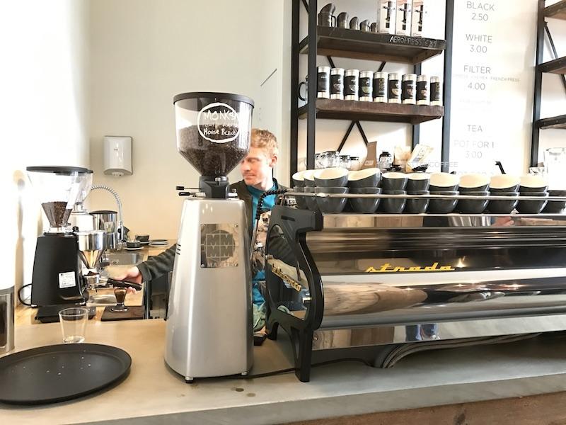 Coffee bar tempat segala nikmat lahir.