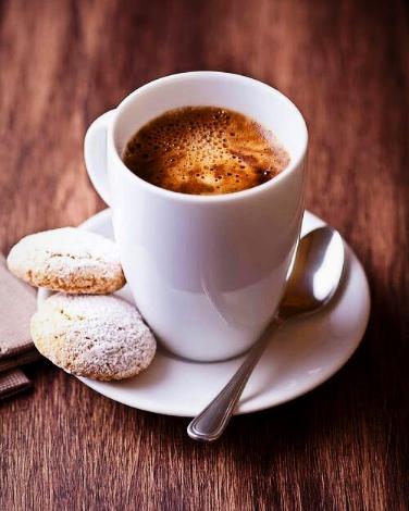 Kebanyakan orang memesan lungo karena ingin menikmatinya bersama cookies, atau kue-kue manis lainnya.