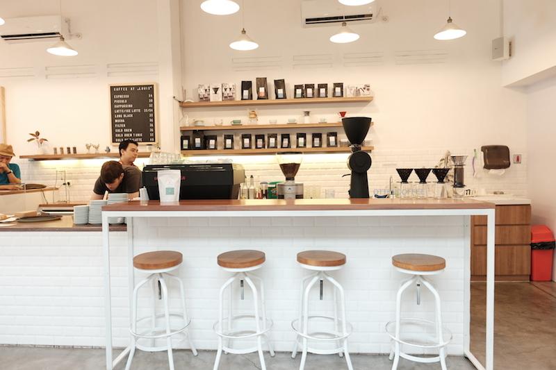 Coffee bar minimalis penghasil kenikmatan