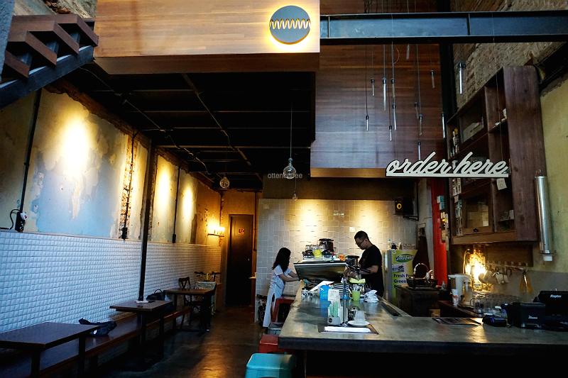 AKHIRNYA KE MMMM COFFEE MALANG! - Majalah Otten Coffee